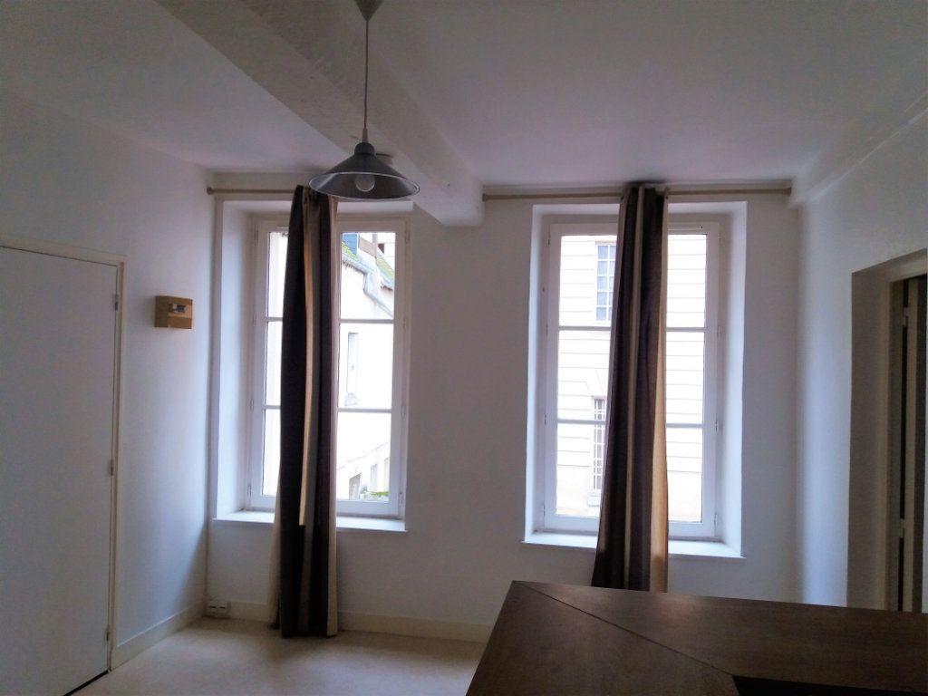 Appartement à louer 2 32.5m2 à Compiègne vignette-7