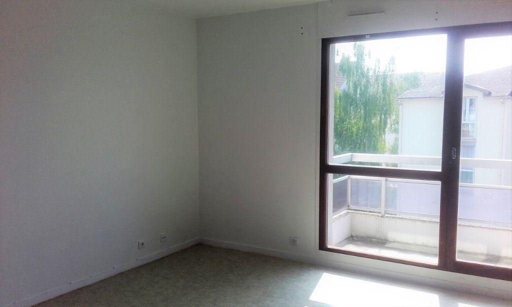 Appartement à louer 1 29.41m2 à Margny-lès-Compiègne vignette-4