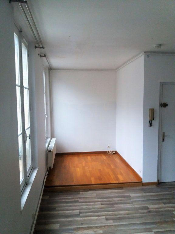 Appartement à louer 2 51.82m2 à Compiègne vignette-2