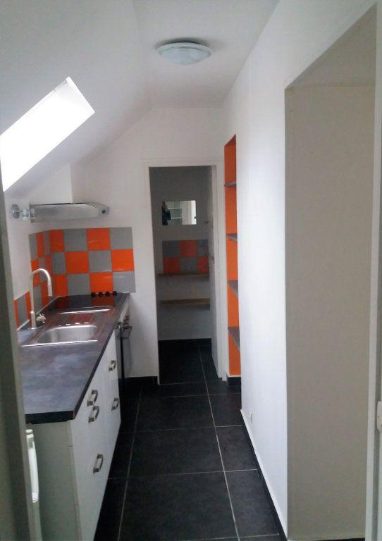 Appartement à louer 2 51.82m2 à Compiègne vignette-3