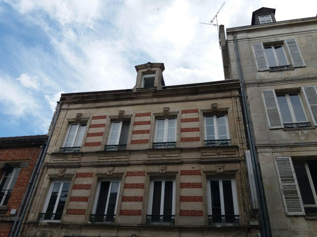 Appartement à louer 2 51.82m2 à Compiègne vignette-5