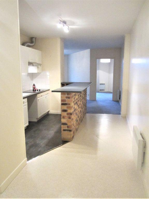 Appartement à vendre 4 76.05m2 à Compiègne vignette-2
