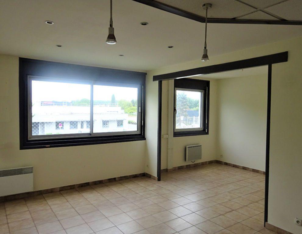 Appartement à louer 3 73.72m2 à Coudun vignette-1