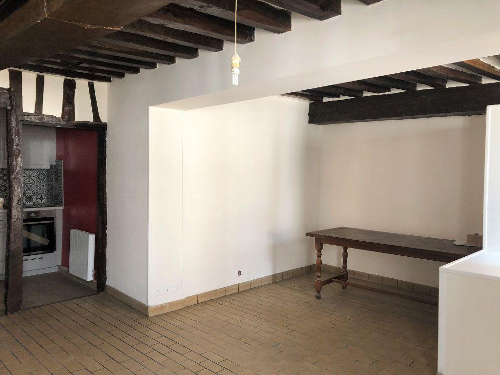 Appartement à louer 2 55.08m2 à Compiègne vignette-1