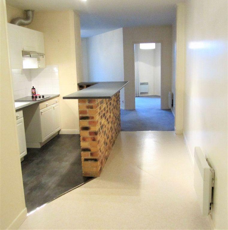Appartement à louer 3 76.05m2 à Compiègne vignette-3