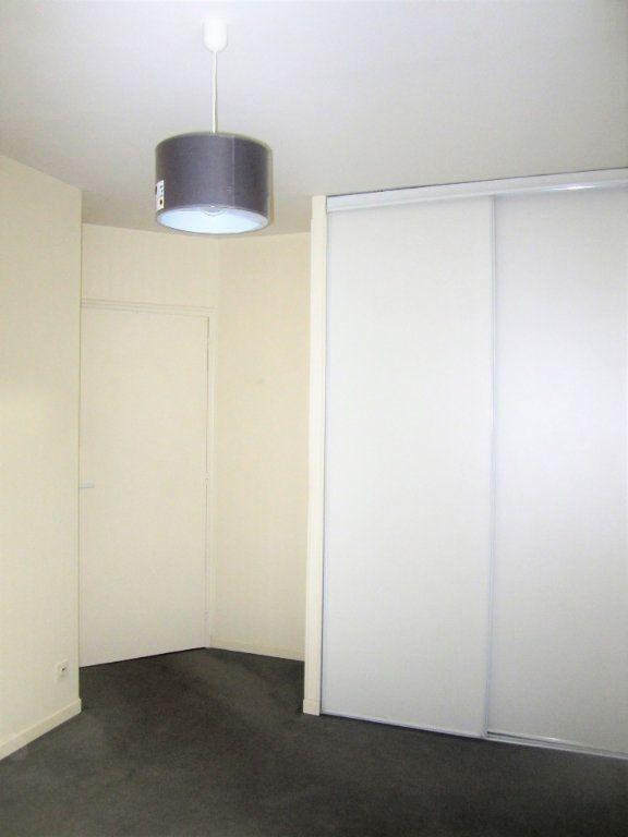 Appartement à louer 3 76.05m2 à Compiègne vignette-4