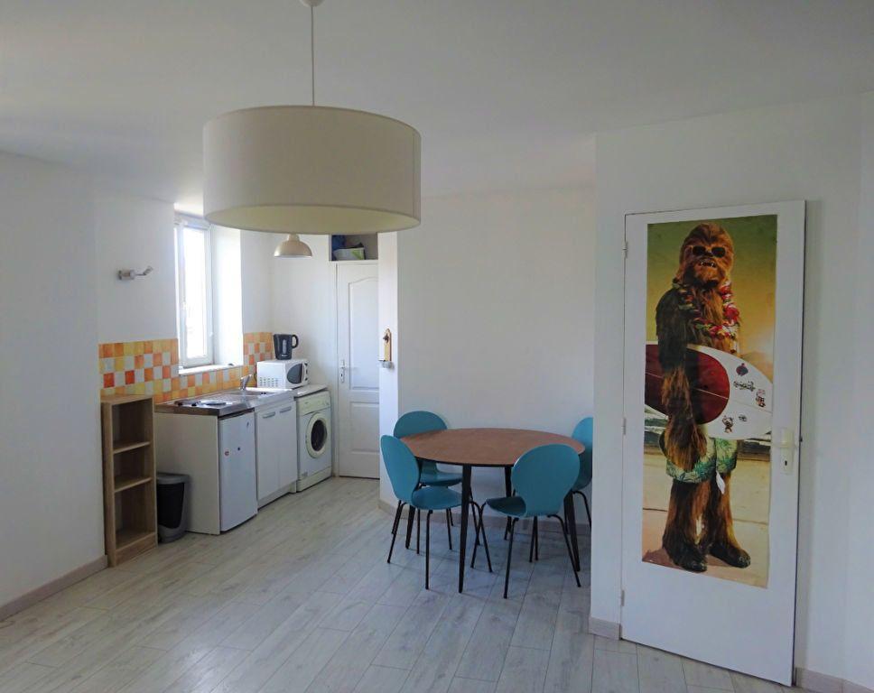 Appartement à louer 2 40.19m2 à Compiègne vignette-1