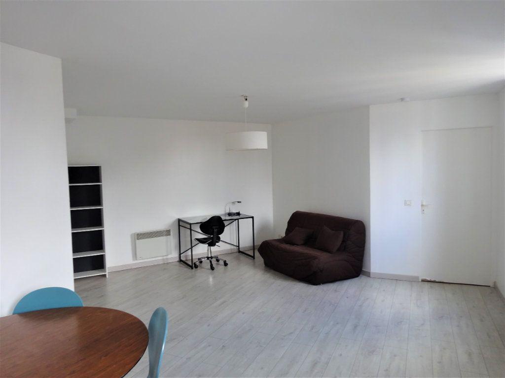 Appartement à louer 2 40.19m2 à Compiègne vignette-2