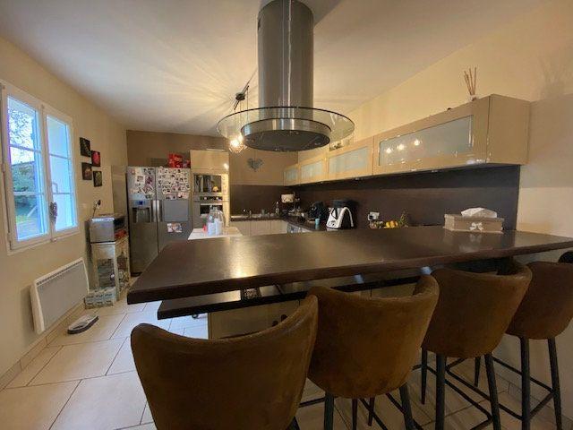 Maison à vendre 6 160m2 à Chevincourt vignette-3