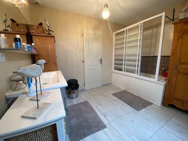 Maison à vendre 6 160m2 à Chevincourt vignette-7