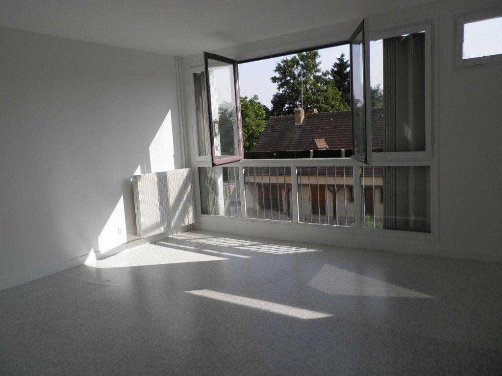 Appartement à louer 1 32.29m2 à Compiègne vignette-3