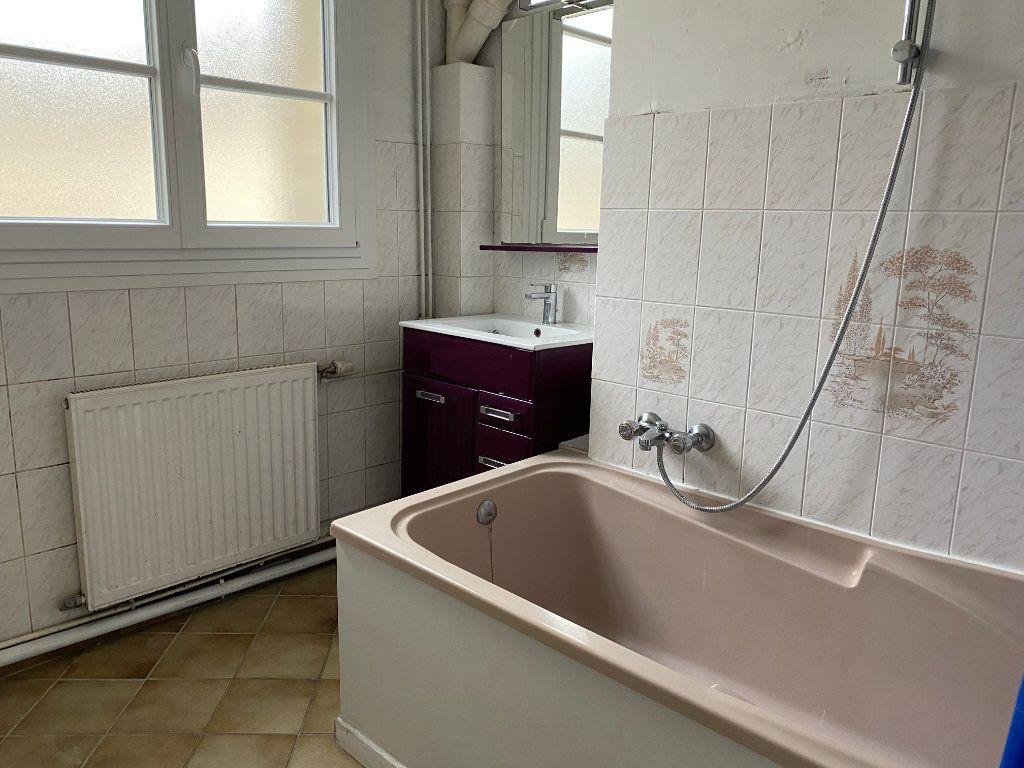 Appartement à louer 2 51.05m2 à Compiègne vignette-4