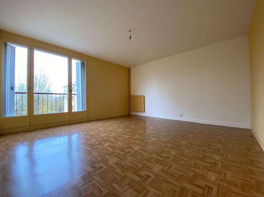 Appartement à louer 4 85.02m2 à Compiègne vignette-3
