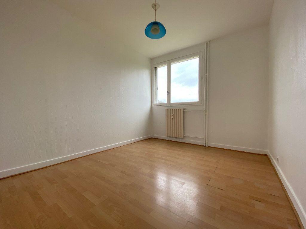 Appartement à louer 4 85.02m2 à Compiègne vignette-4