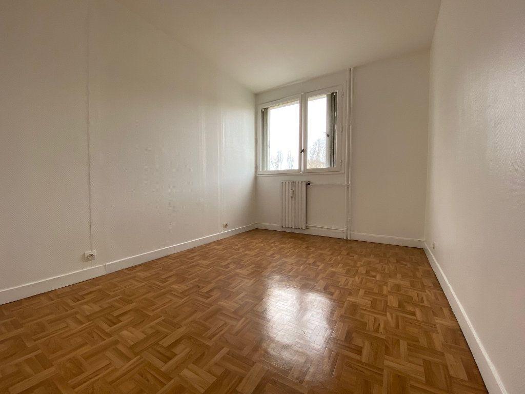 Appartement à louer 4 85.02m2 à Compiègne vignette-6