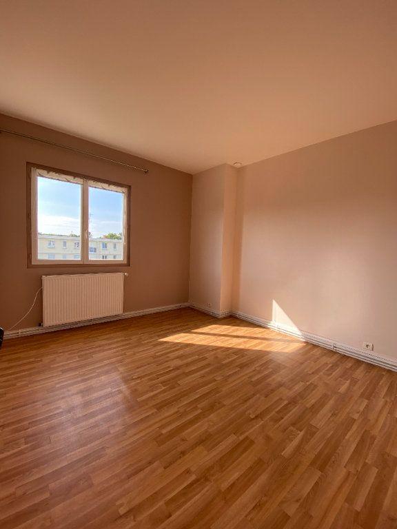 Appartement à louer 3 62.43m2 à Compiègne vignette-5