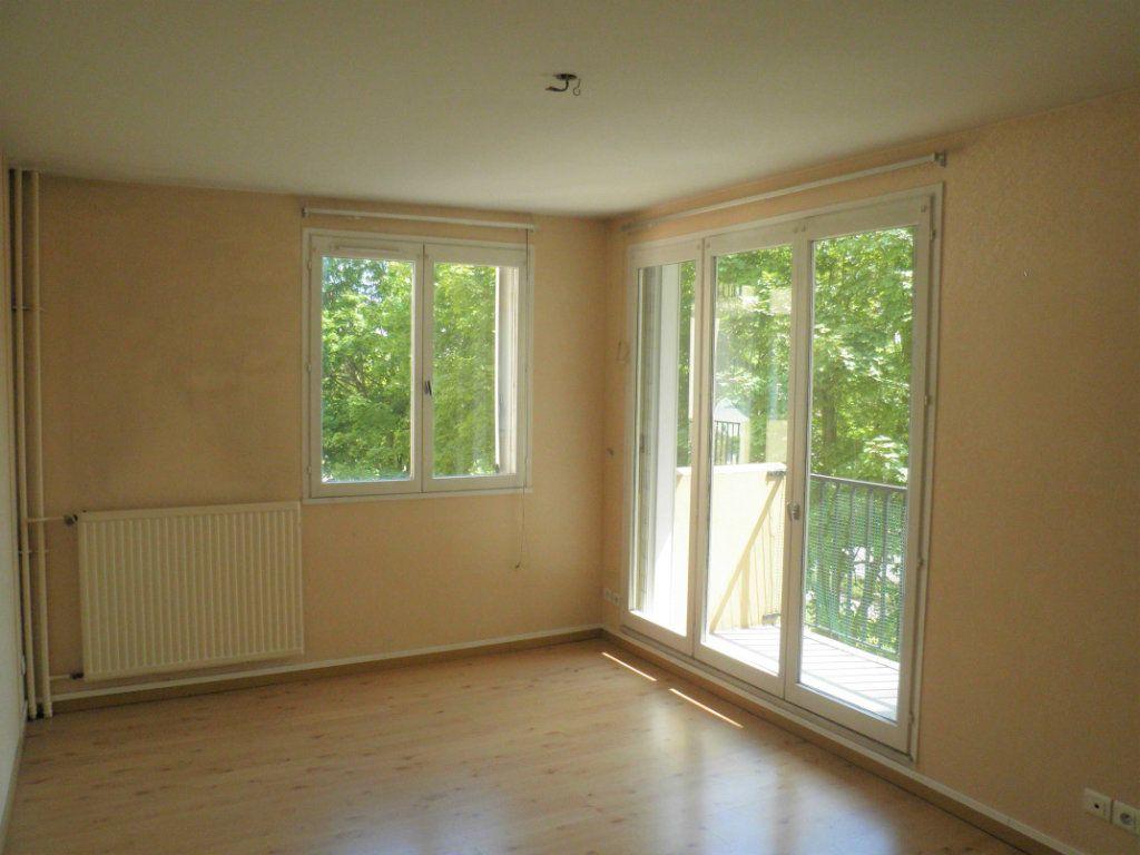 Appartement à louer 2 48.91m2 à Compiègne vignette-1