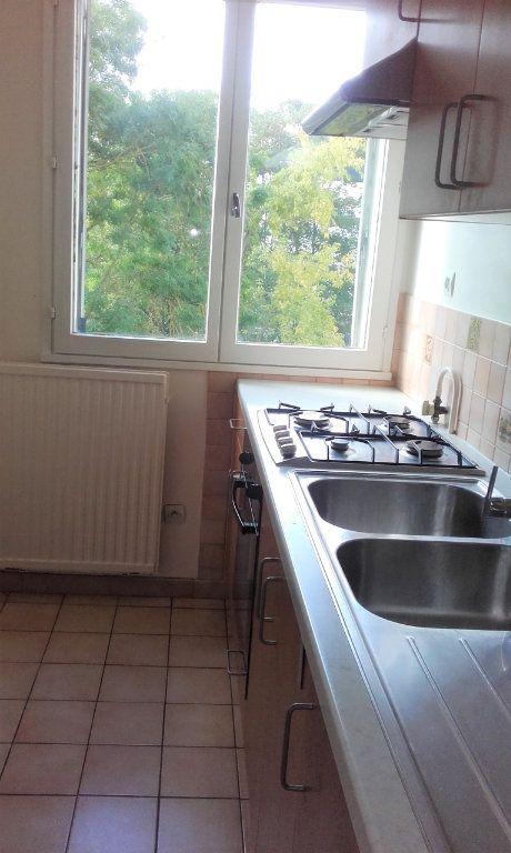 Appartement à louer 2 48.91m2 à Compiègne vignette-2