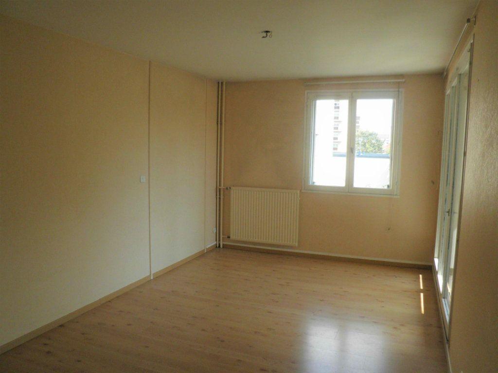 Appartement à louer 2 48.91m2 à Compiègne vignette-5