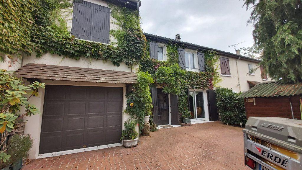 Maison à vendre 7 125m2 à Compiègne vignette-1