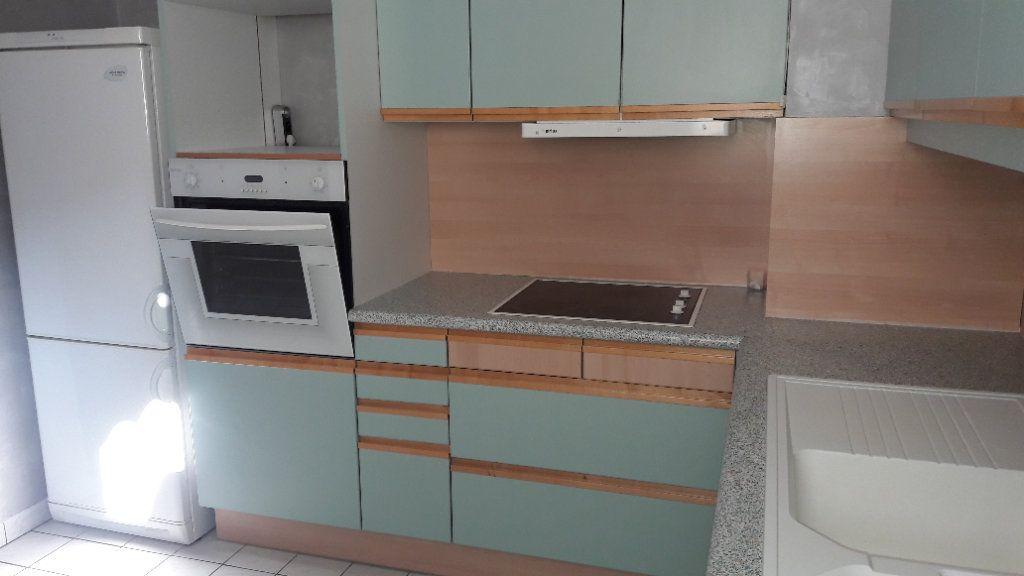 Appartement à louer 1 61.93m2 à Compiègne vignette-5