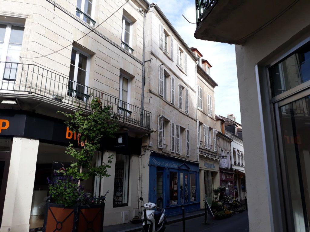 Appartement à louer 2 52.09m2 à Compiègne vignette-1