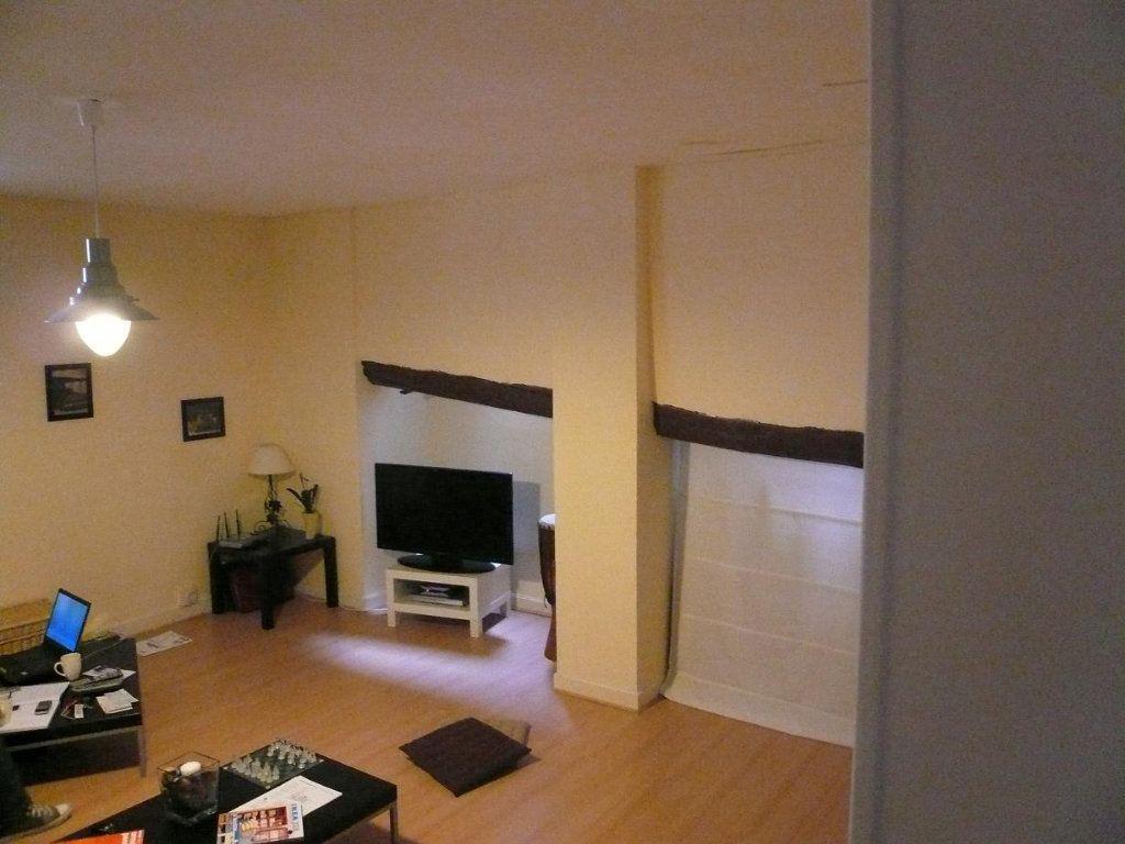 Appartement à louer 2 52.09m2 à Compiègne vignette-2