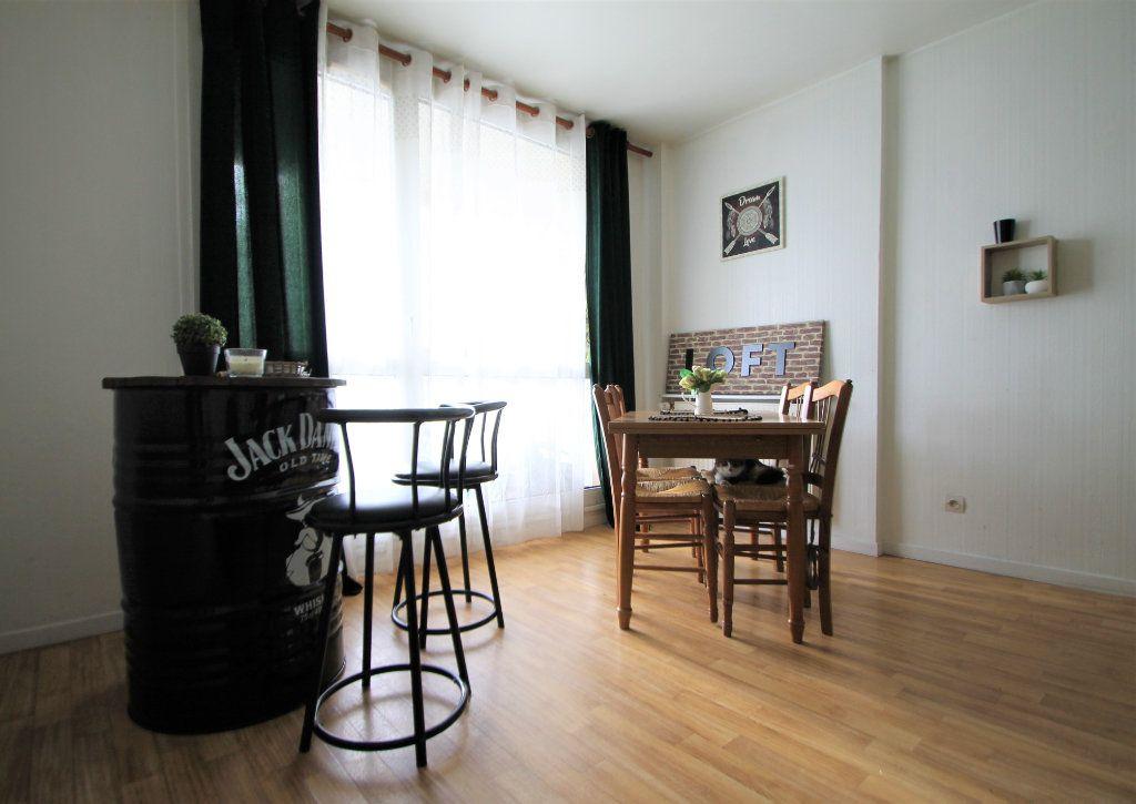 Appartement à vendre 3 74.6m2 à Compiègne vignette-1