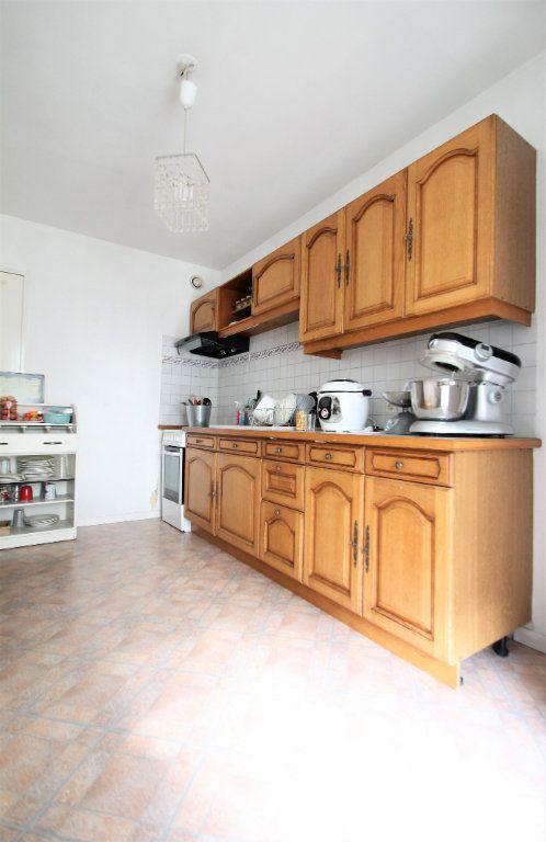 Appartement à vendre 3 74.6m2 à Compiègne vignette-2