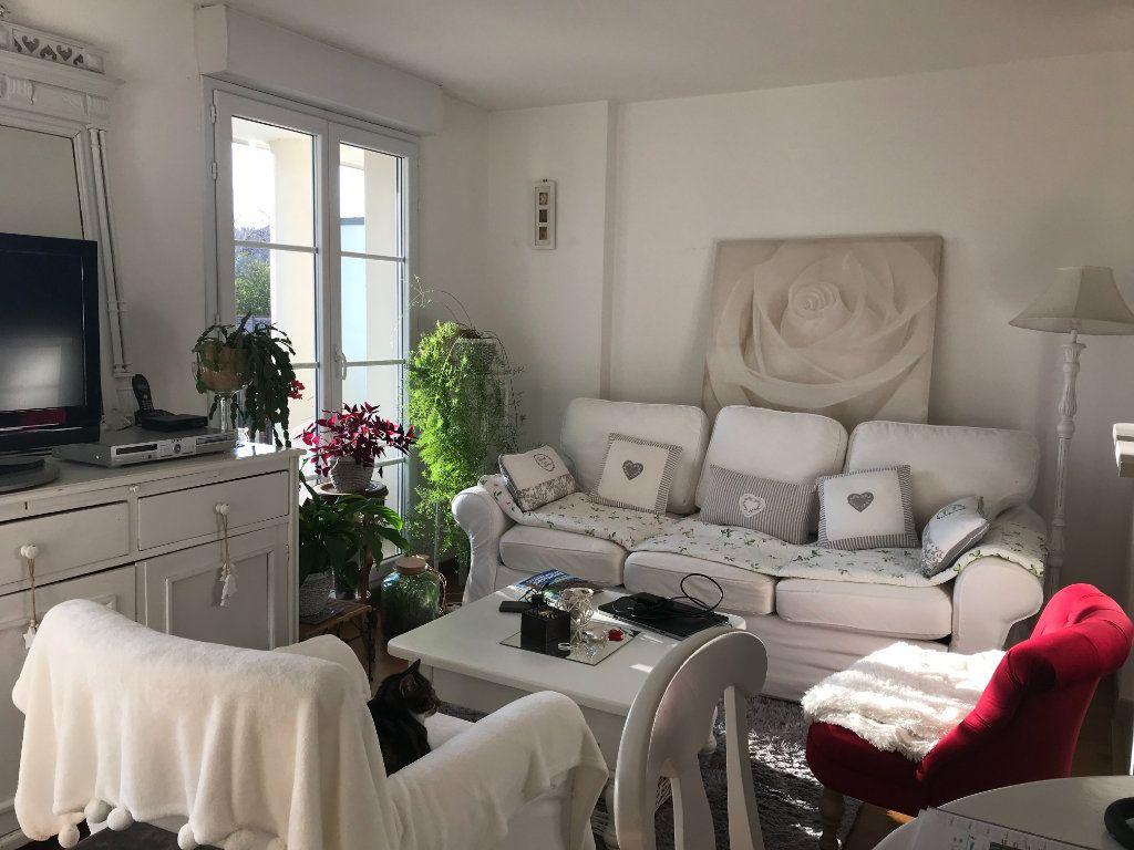 Appartement à louer 2 50.86m2 à Compiègne vignette-1