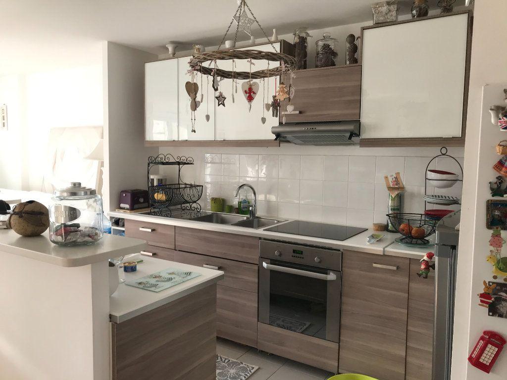 Appartement à louer 2 50.86m2 à Compiègne vignette-2
