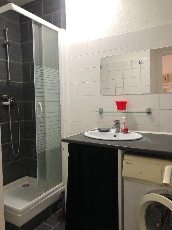 Appartement à louer 1 28m2 à Compiègne vignette-7