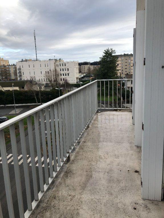 Appartement à louer 1 28m2 à Compiègne vignette-8