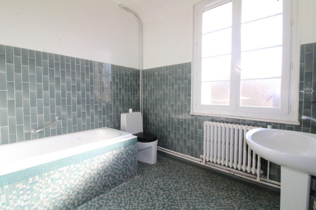 Maison à vendre 10 215m2 à Compiègne vignette-3