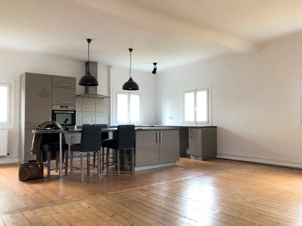 Appartement à louer 3 88.08m2 à Compiègne vignette-3