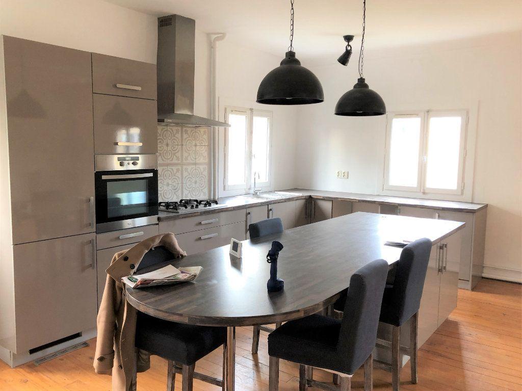 Appartement à louer 3 88.08m2 à Compiègne vignette-4