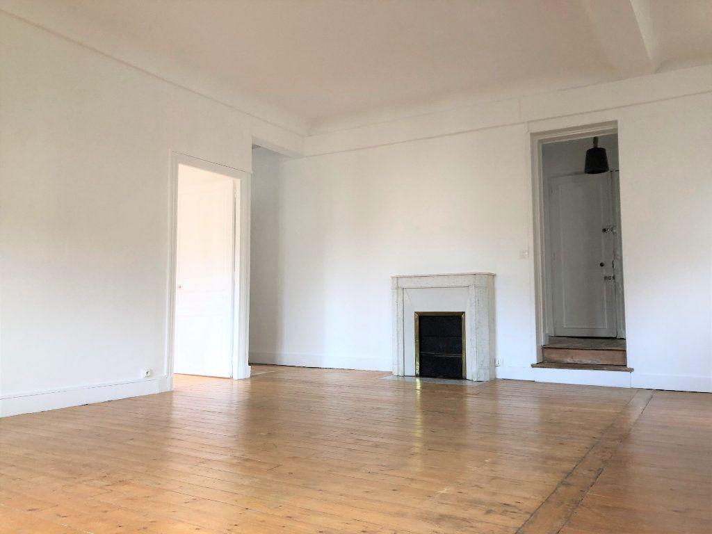 Appartement à louer 3 88.08m2 à Compiègne vignette-5