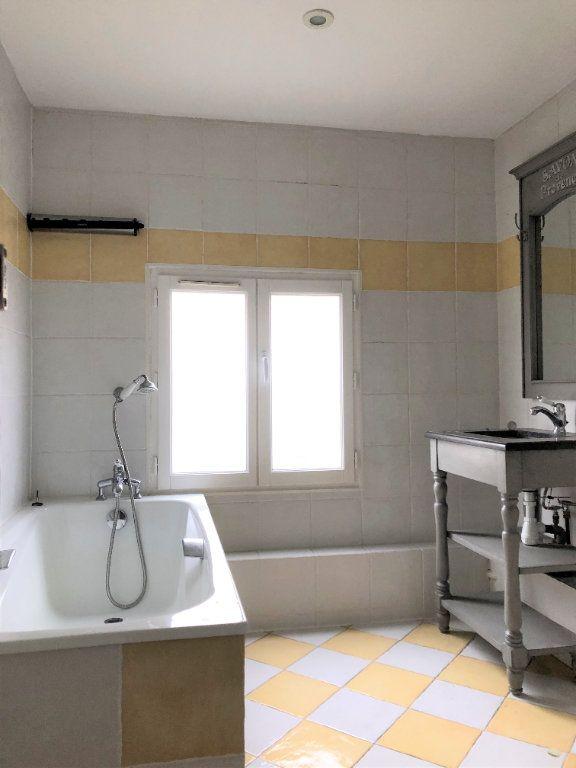 Appartement à louer 3 88.08m2 à Compiègne vignette-8