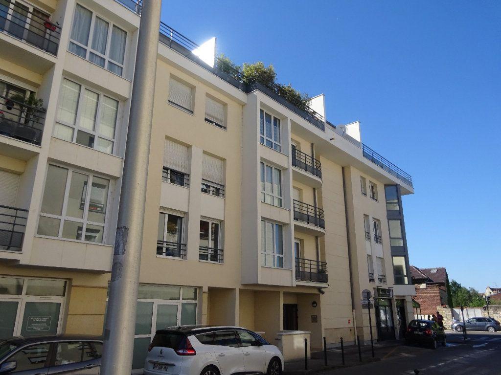 Appartement à louer 3 70.34m2 à Compiègne vignette-1