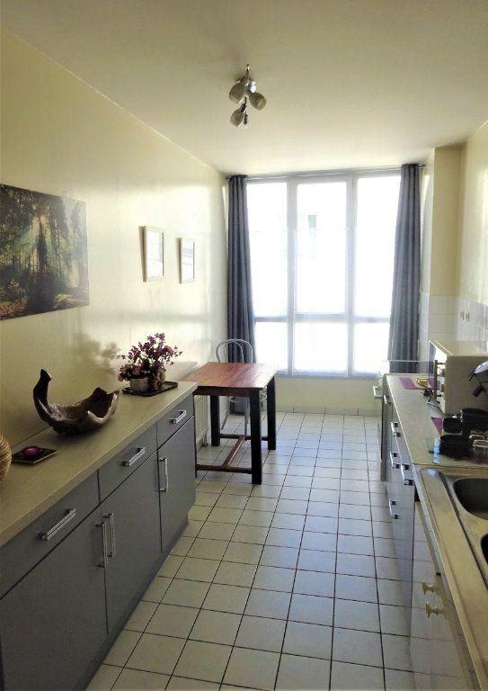Appartement à louer 3 70.34m2 à Compiègne vignette-3