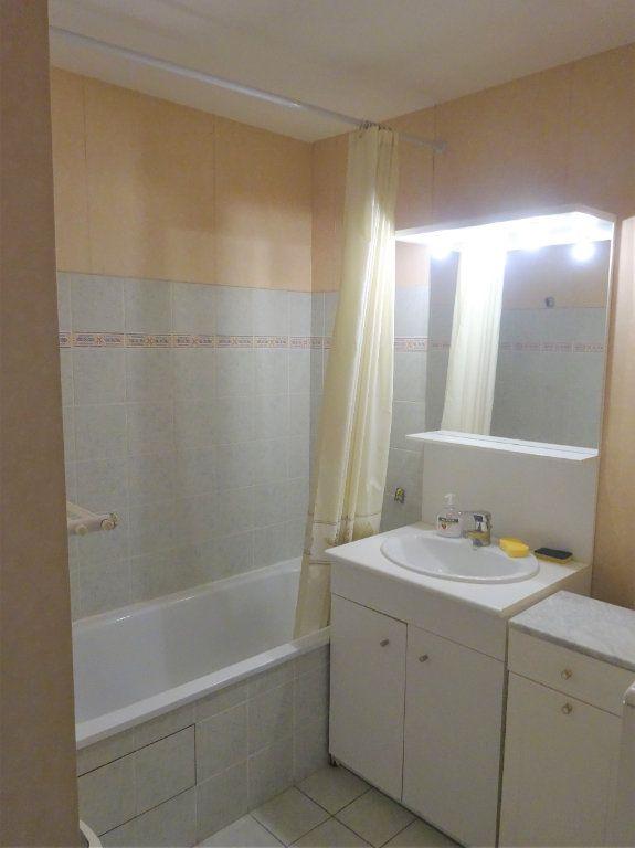Appartement à louer 3 70.34m2 à Compiègne vignette-5