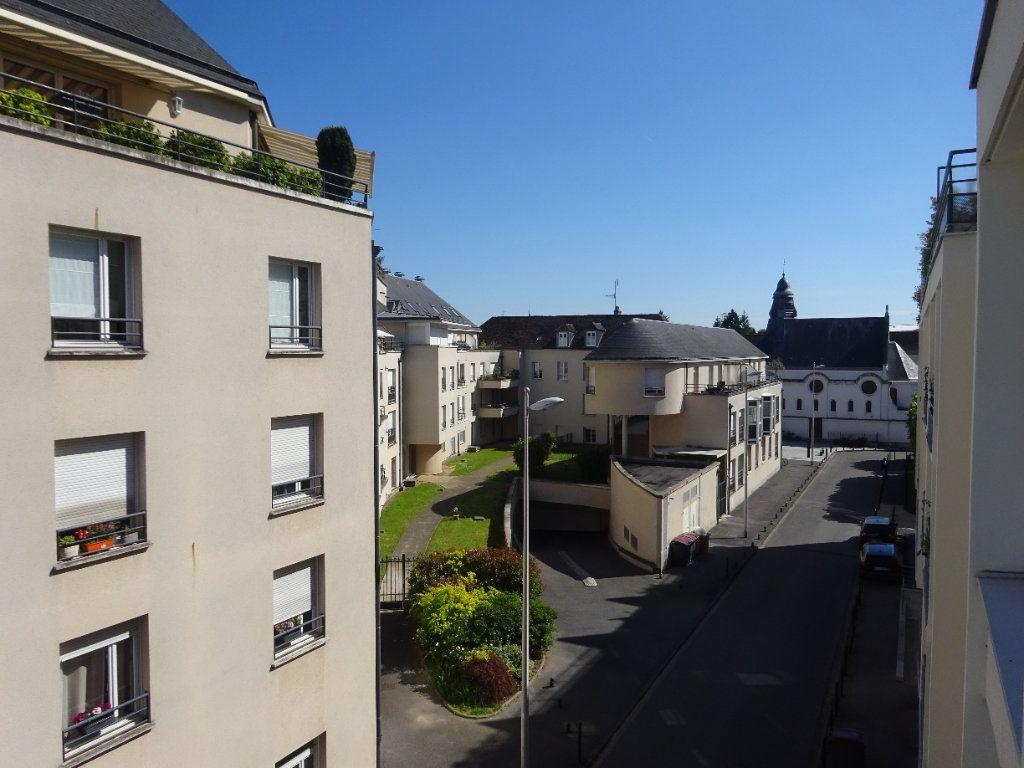 Appartement à louer 3 70.34m2 à Compiègne vignette-7