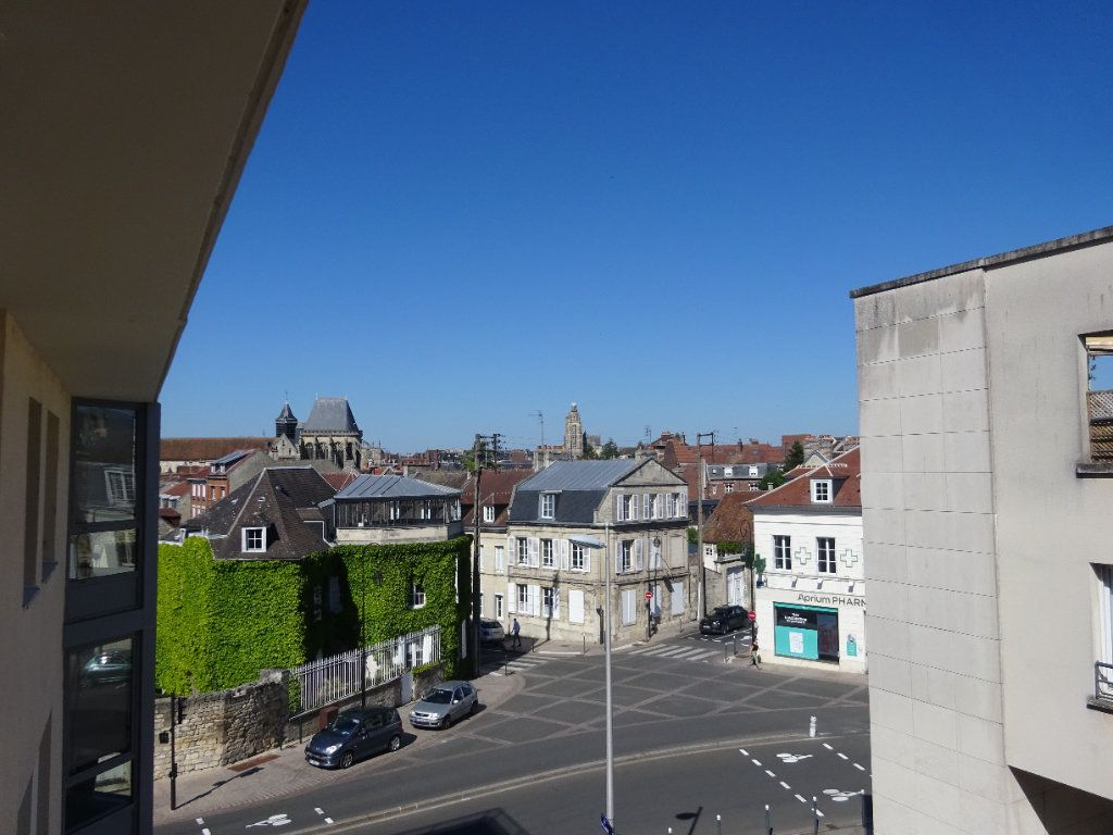 Appartement à louer 3 70.34m2 à Compiègne vignette-8