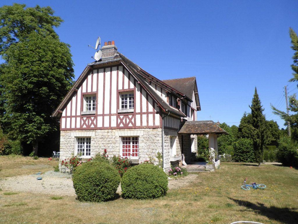Maison à louer 7 163.32m2 à Compiègne vignette-2
