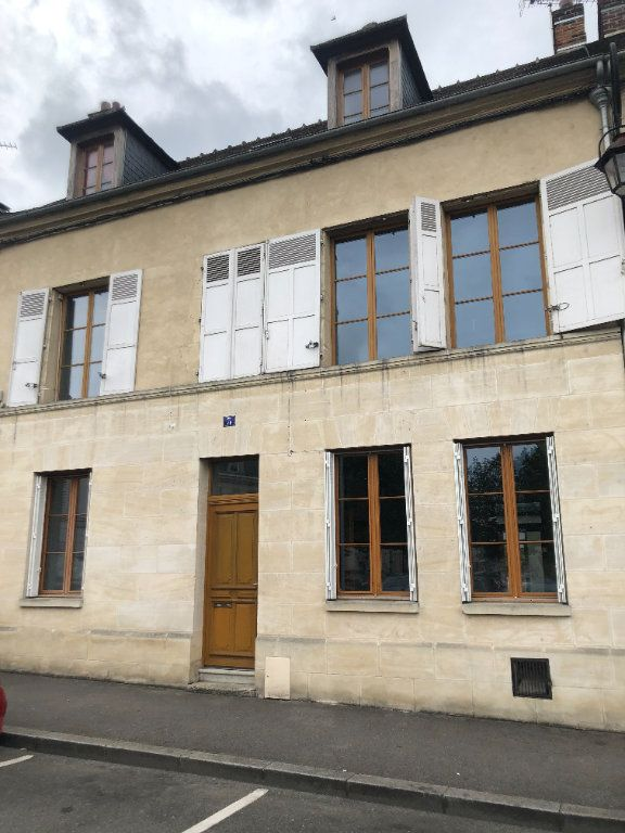 Maison à louer 7 222m2 à Compiègne vignette-1
