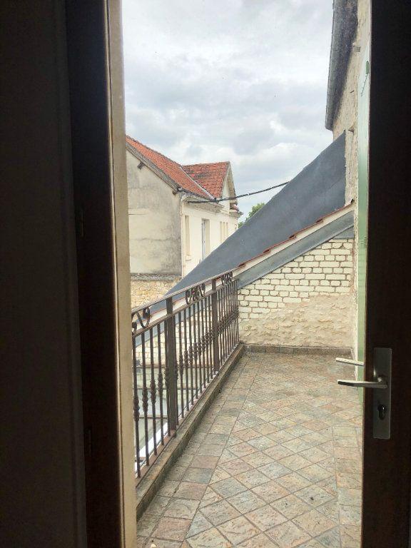 Maison à louer 7 222m2 à Compiègne vignette-8