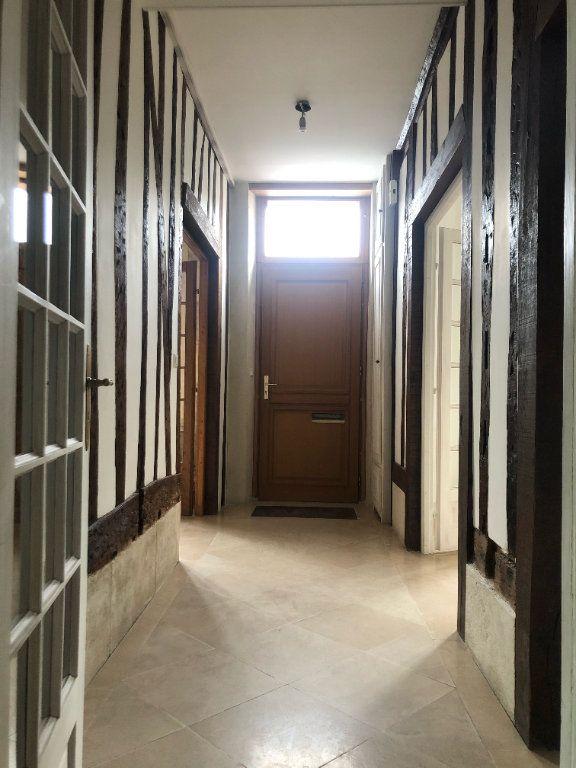 Maison à louer 7 222m2 à Compiègne vignette-9