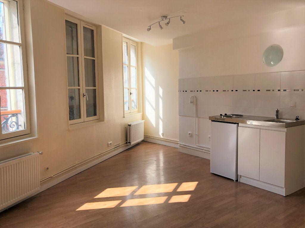 Appartement à louer 1 25.79m2 à Compiègne vignette-1