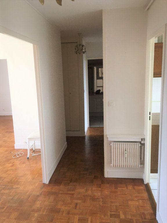 Appartement à louer 4 72.06m2 à Compiègne vignette-3