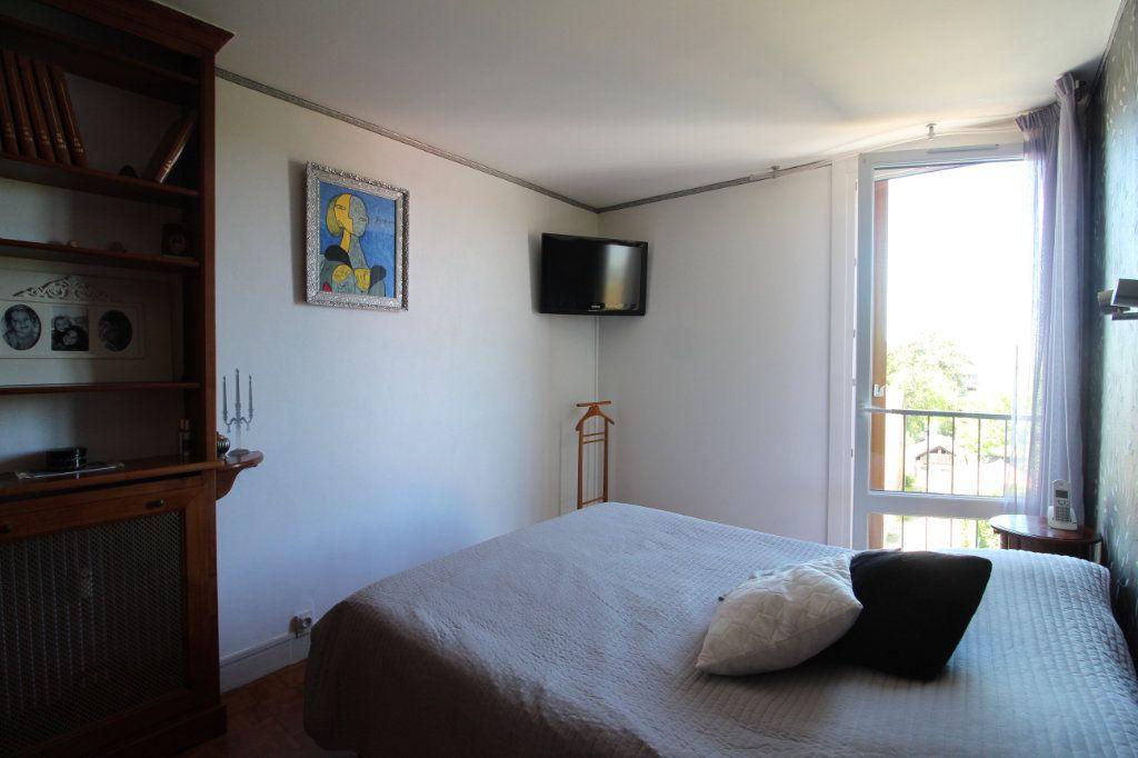 Appartement à louer 4 72.06m2 à Compiègne vignette-8